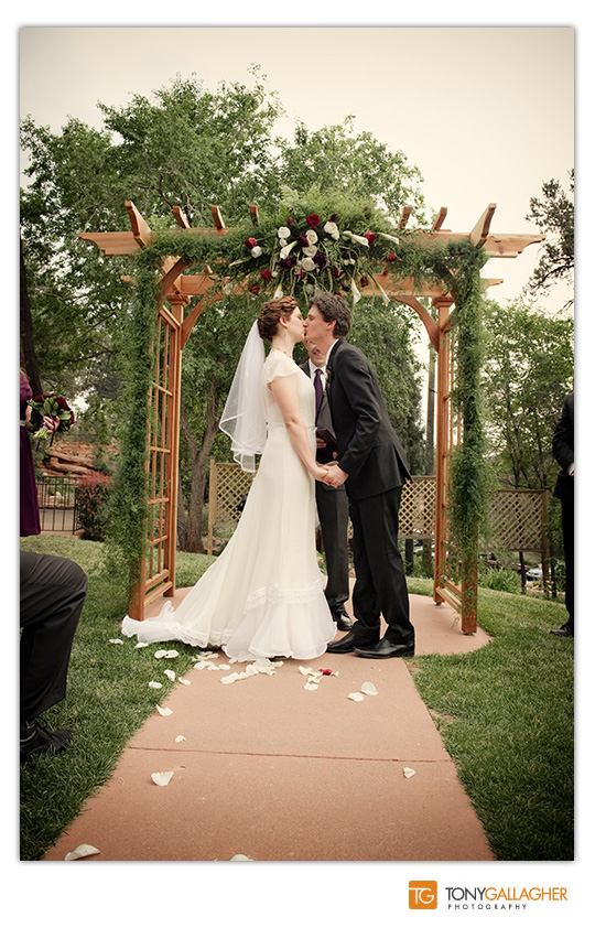 craftwood-inn-manitou-springs-colorado-denver-wedding-photographer-photos-tony-gallagher-photography-19